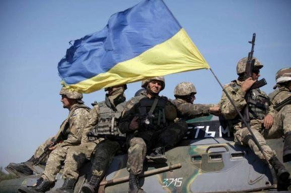 У Тернополі зібрали 4 тонни смаколиків та необхідних речей для бійців АТО на Миколая