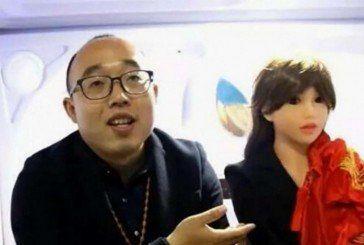 Китаєць створив жінку-робота і одружився з нею