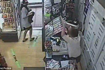 Відважна жінка відбилася від озброєного грабіжника (ВІДЕО)