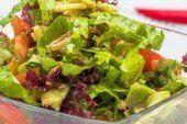 Свіжі овочі зірву і в салатик покладу