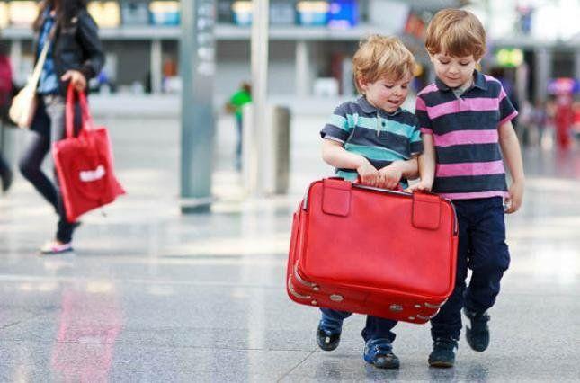 Змінили правила виїзду дітей за кордон
