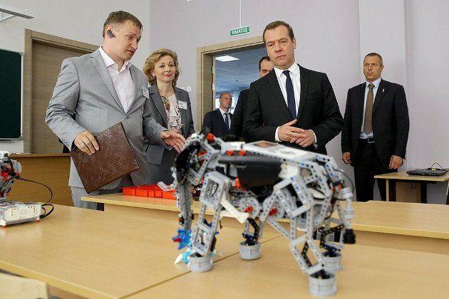 Російський робот-слон за 12 млрд виявився іграшкою LEGO (ФОТО)