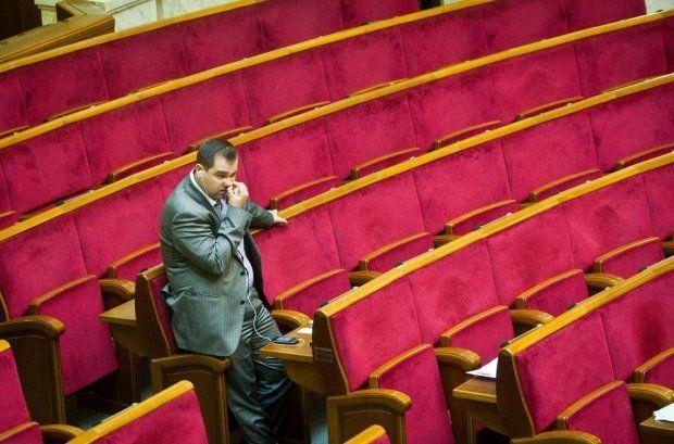 Депутатам-прогульникам не виплатили понад 15 мільйонів зарплати