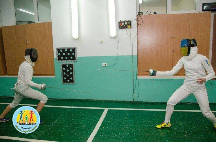 Учасниця олімпійських ігор Олена Кривицька провела майстер-клас з фехтування для тернопільських дітей (ФОТО)