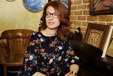 Викладач і доктор економічних наук з Тернополя пише дивовижні полотна-мрії (ФОТО)