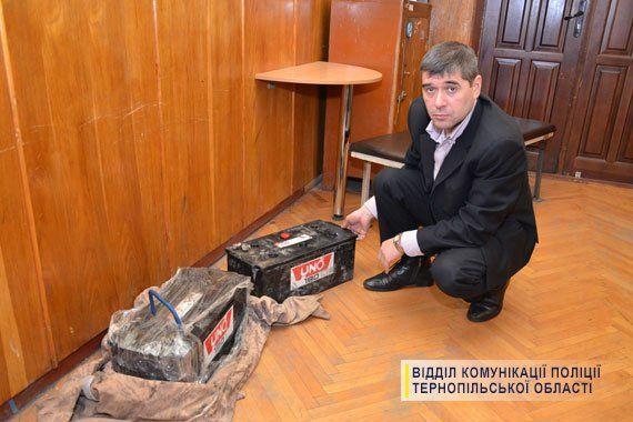 У Тернополі спімали злодія, який крадені акумулятори тягав на металобрухт (ФОТО)