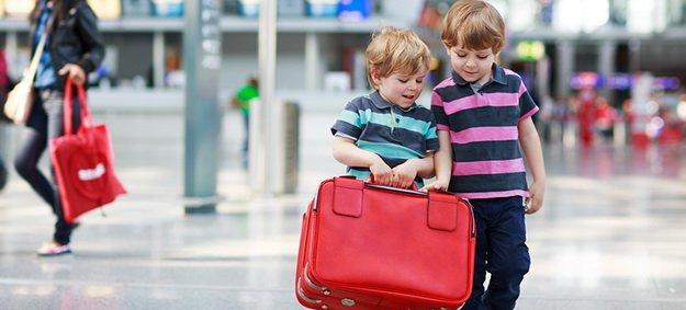 Як жителі Тернопільщини можуть оформити закордонний паспорт для дітей?