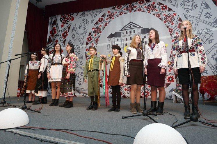 Тернопільські пластуни провели акцію «Різдвяна свічечка» (ФОТО)