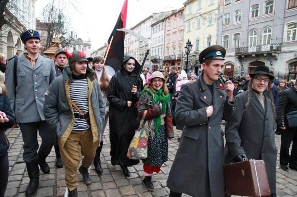 Незвичний вертеп у Тернополі: замість Ірода – Сталін, царі – повстанці (ФОТО)