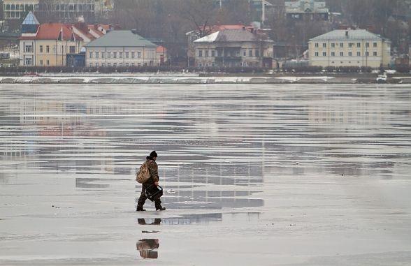 Тернопільські рятувальники застерігають: весняний лід – підступний