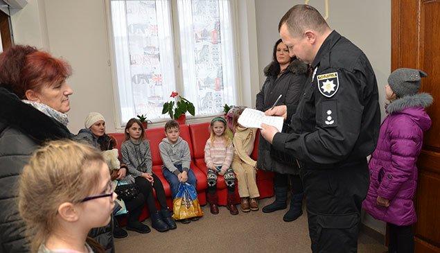 З ініціативи поліцейських тернопільські школярі безкоштовно вивчатимуть англійську мову (ФОТО)