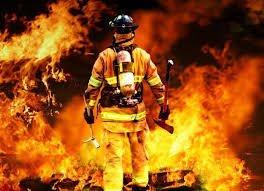 На Тернопільщині, щоб загасити пожежу в приватному будинку, рятувальникам знадобились додаткові сили та засоби
