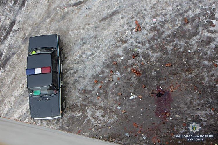 У реанімації помер тернополянин, який випав з шостого поверху (ФОТО)