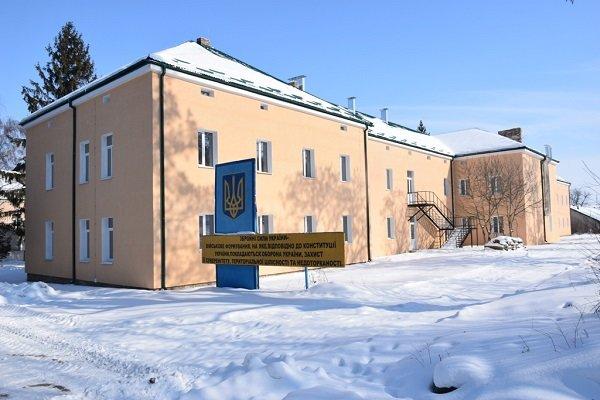 У Теребовлі завершують капремонт будівель у військовому містечку (ФОТО)