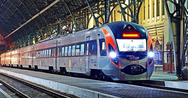 Подорожі в потягах подорожчали