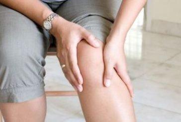 Від болю в колінах – медовий масаж