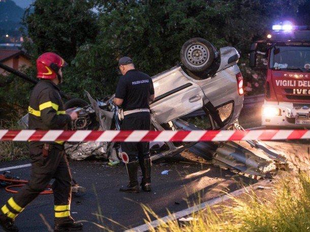 Автомобіль з українцями вилетів з дороги в Італії, є загиблі (ФОТО)