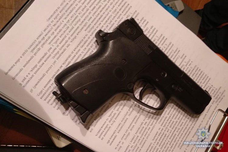 Безчинства до зубів озброєної злочинної зграї зупинили поліцейські Тернопільщини (ФОТО)