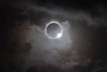 Землю накриє унікальне місячне затемнення