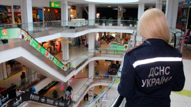 Можуть закрити 155 торгових центрів