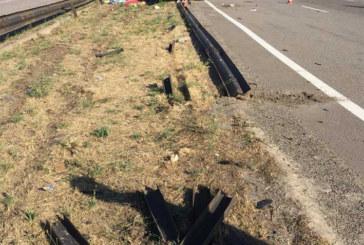 Виїхав за межі проїжджої частини та врізався у стовп: у жахливій ДТП поблизу Дніпра загинуло троє чоловік (ФОТО)