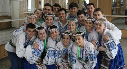 Півстоліття у полоні танцю: хореографічний відділ Теребовлянського культосвітнього училища відзначає 50-літній ювілей (ФОТО)