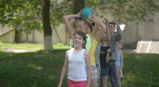 Студенти ТНЕУ побували в гостях у вихованців сиротинця в Новому Селі (ФОТО)