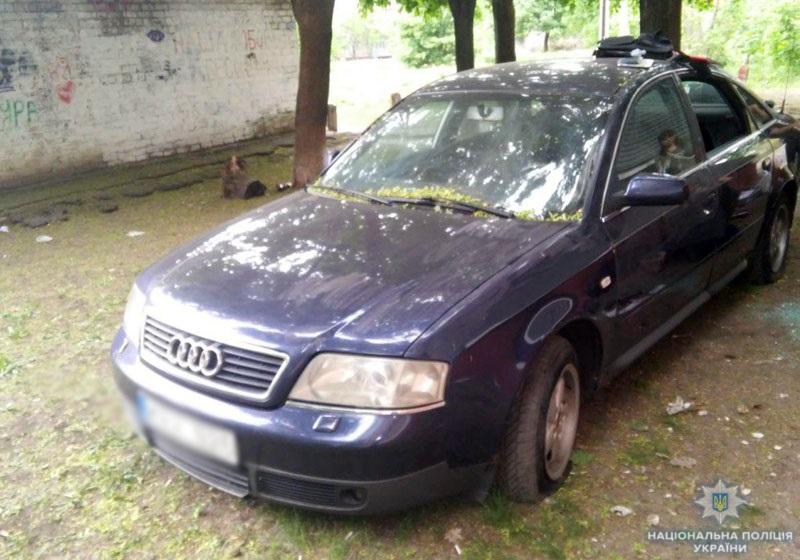 Четверо зловмисників «обчищали» автівки по всій країні, використовуючи пристрій для розблокування сигналізації (ФОТО)