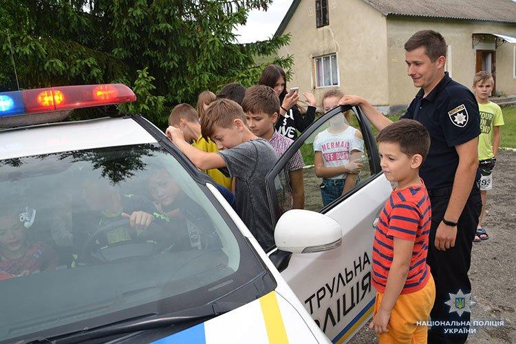 Операція «Літо-2018»: поліцейські Тернопільщини таборують разом з дітьми (ФОТОРЕПОРТАЖ)