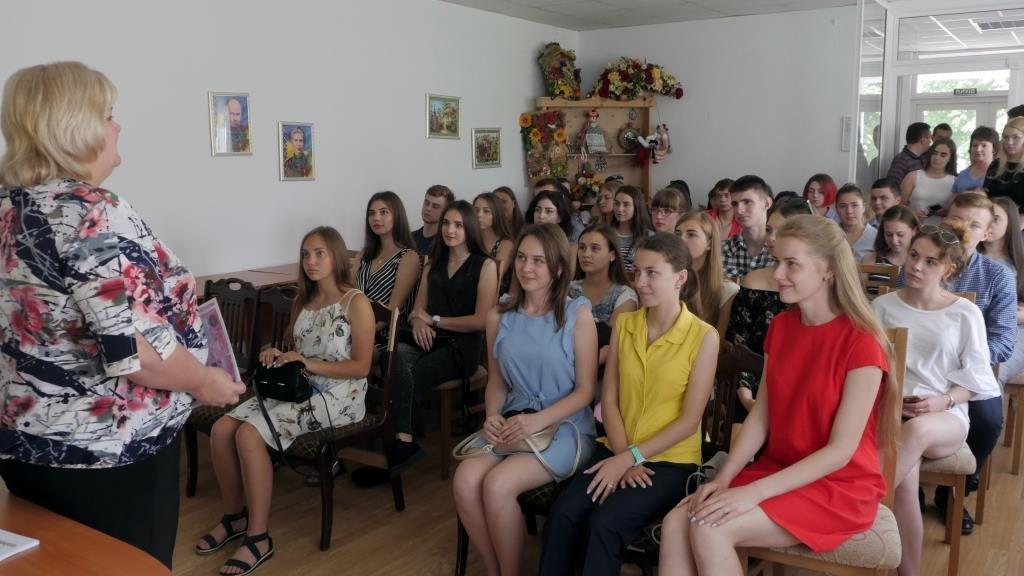 «Hand made Україна»: у ТНЕУ дивували яскравими художніми виробами (ФОТО)