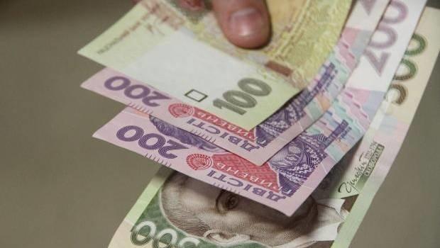 Шахрай з Львівщини розрахувався за автомобіль фальшивими гривнями: злочинця затримали