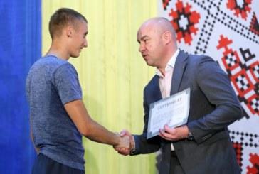 Параолімпійський чемпіон Тарас Радь і ще троє тернополян отримали сертифікати на квартиру (ФОТО)