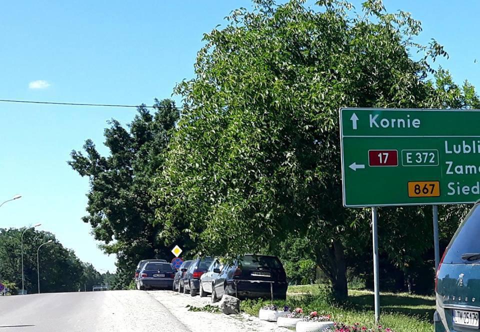 Показали кладовище євроблях у польському селі (ФОТО)