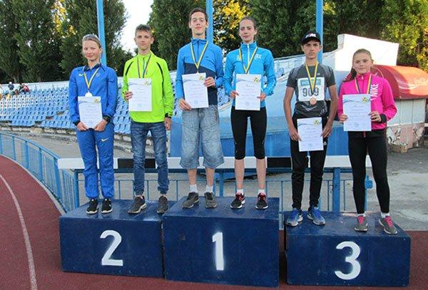 Юна спортсменка зі Зборова виборола «легкоатлетичну бронзу» у Харкові (ФОТО)