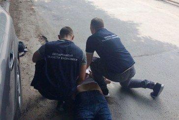 На Тернопільщині заступника головного лікаря спіймали на 1 тис. доларів хабара (ФОТО)