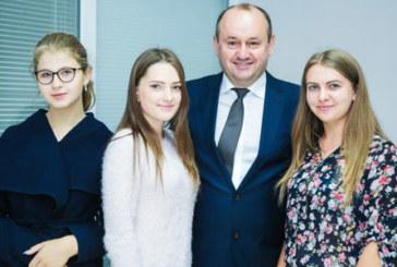 У ТНЕУ стартувала робота Приймальної комісії (ФОТО)