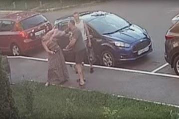 Депутат вдарив жінку кулаком в обличчя за зауваження про його собаку: відео