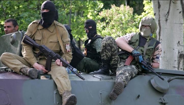 """""""Ми шоковані тим що відбувається""""- терористи заявляють що жителі Донецька почали трощити могили окупантів"""