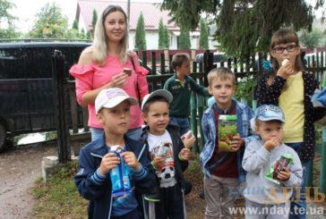 Футбол, святковий концерт, забави для дітей, вітання іменинникам: у Вікнинах на Тернопільщині бережуть традиції у відзначенні Дня села (ФОТО)