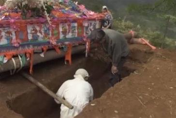 У Китаї заборонили традиційні похорони (ВІДЕО)