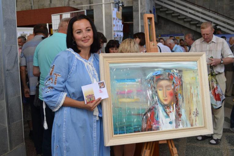 «Наречена» Тернопільської художниці Олесі Гудими з'явилася на поштових марках (ФОТО)