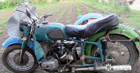 Вкрадений у жителя Чортківщини раритетний мотоцикл знайшли на Хмельниччині