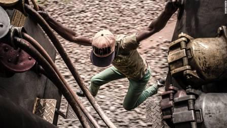 У Києві масово калічаться та гинуть підлітки-зачепери (ФОТО, ВІДЕО)