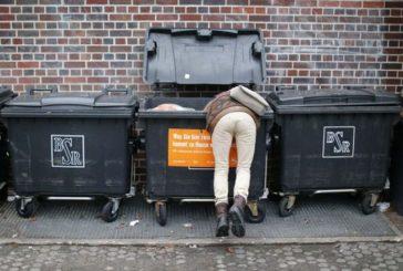 У Нью-Йорку багачка риється на смітниках і «колекціонує» непотріб