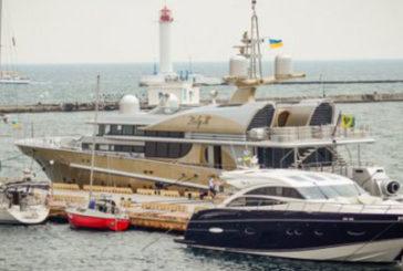 Українські олігархи на яхтах можуть захистити Азовське море від Росії