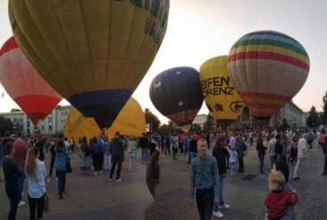 Яскраве шоу: як над Тернополем літали повітряні кулі (ФОТОРЕПОРТАЖ)