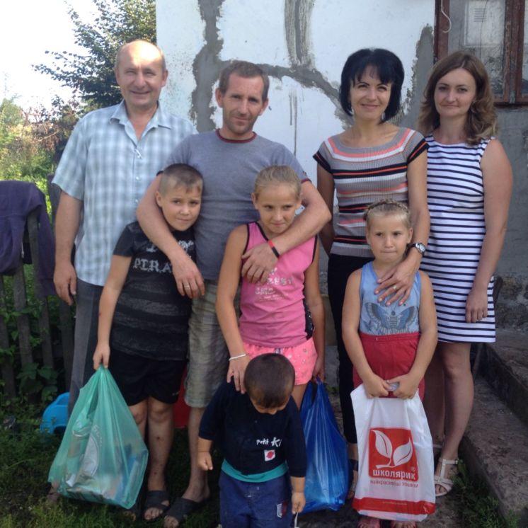 На Тернопільщині діти отримали подарунки від працівників райуправлінь Держпродспоживслужби (ФОТО)