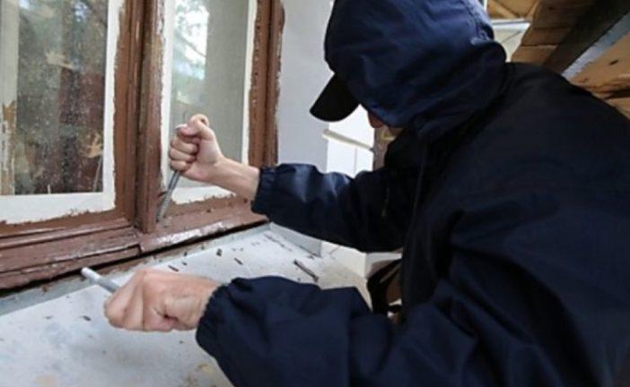 Поліцейські Теребовлянщини затримали двох чоловіків, які обікрали приватний будинок