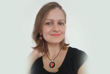 Краса у стилі «мікро»: тернопільська музикантка створює витончені прикраси з вишивкою (ФОТО)