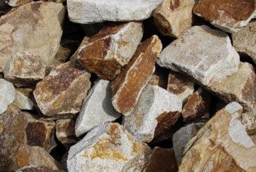 У Бучацькому районі чоловік незаконно добував бутовий камінь